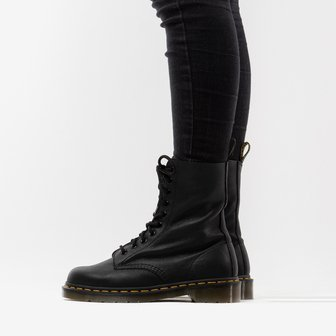 Dr. Martens 1490 Black Virginia 22524001
