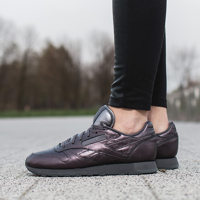 b652d4a51a717 ... Buty damskie sneakersy Reebok Classic Leather Face Stockholm V69378 ...