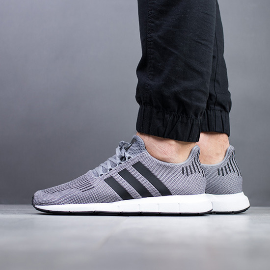 adidas Originals Swift Run CQ2115